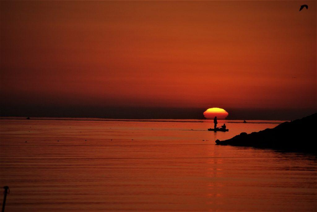 amanecer en el mar caspio